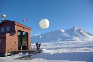 Ozonsondenstart. Bild: AWI
