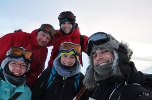 Dirk, Manuel, Kerstin, Verena und Thomas auf Grat von Steensfjellet. Foto: T. Dupeyron