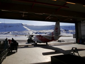 Flugzeug Nummer 1 im Hangar in Longyearbyen