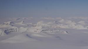 Überflug über die Pyramiden auf Spitzbergen