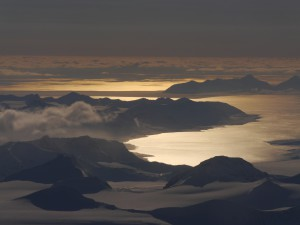 Traumhafter Flug von Longyearbyen nach Ny-Alesund