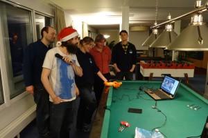 Wie unser gegnerisches Team spielt, verfolgen wir via Skype. Foto: Markus Eser, Alfred-Wegener-Institut