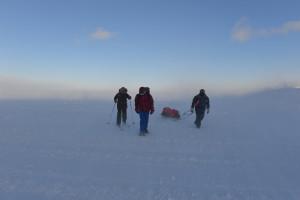 Wer sind die drei Schneewanderer? Foto: Sissy Kütter