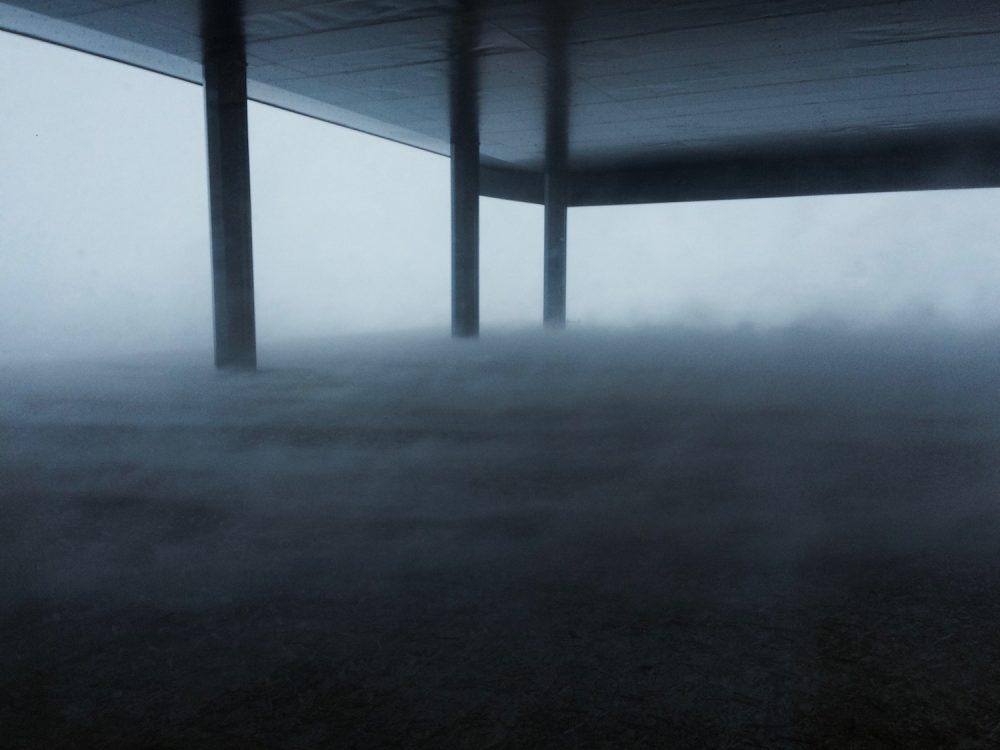 Sturm unter der Neumayer-Station III. Foto: Tim Heitland