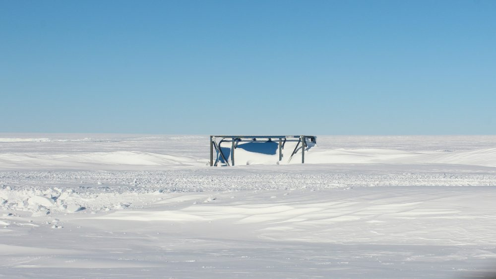 Benzin-Tank im Schnee (Foto: Bernhard Gropp)