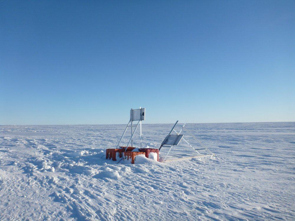 Seismologische Messstation nach dem letzten Sturm (Foto: Andreas Müller)