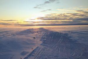 Sonnenuntergang mit Pinguinen (Foto: Klaus Guba)