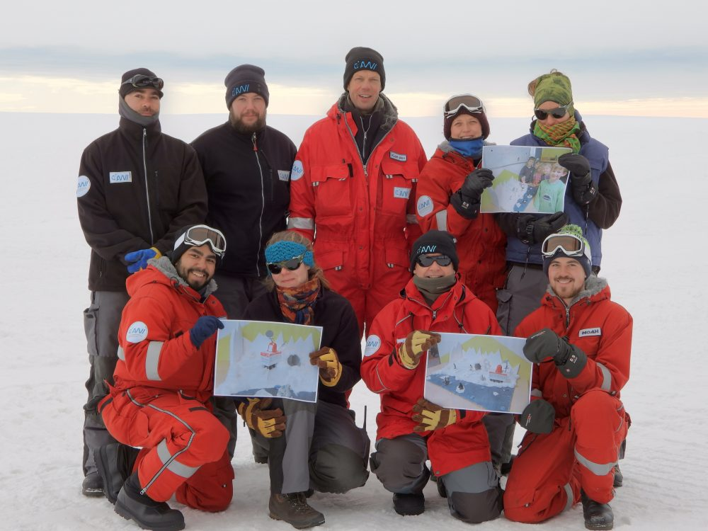Group photo of the overwinterers (Photo: Wanderson)