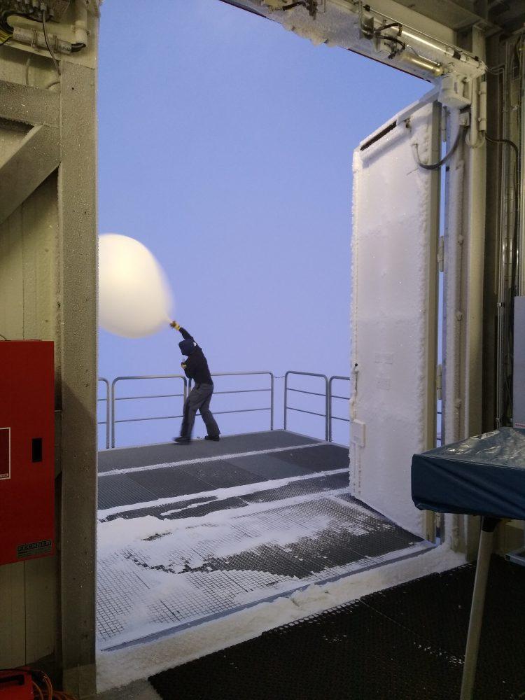 Ballonstart bei 35 Knoten Windgeschwindigkeit