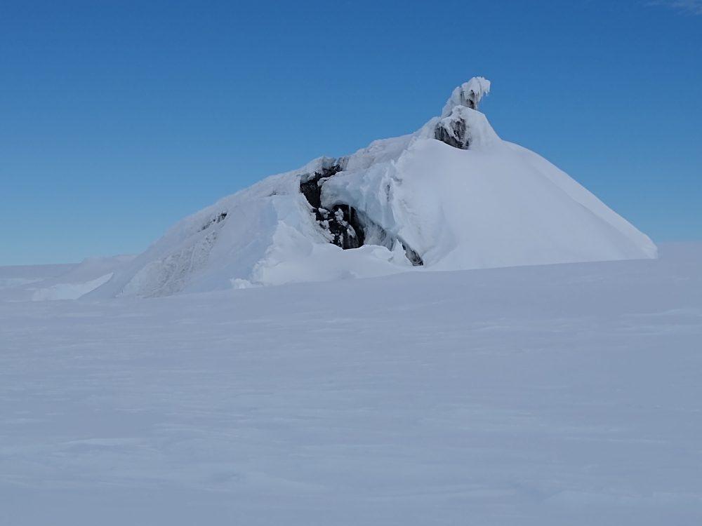 Eisberg mit Flecken