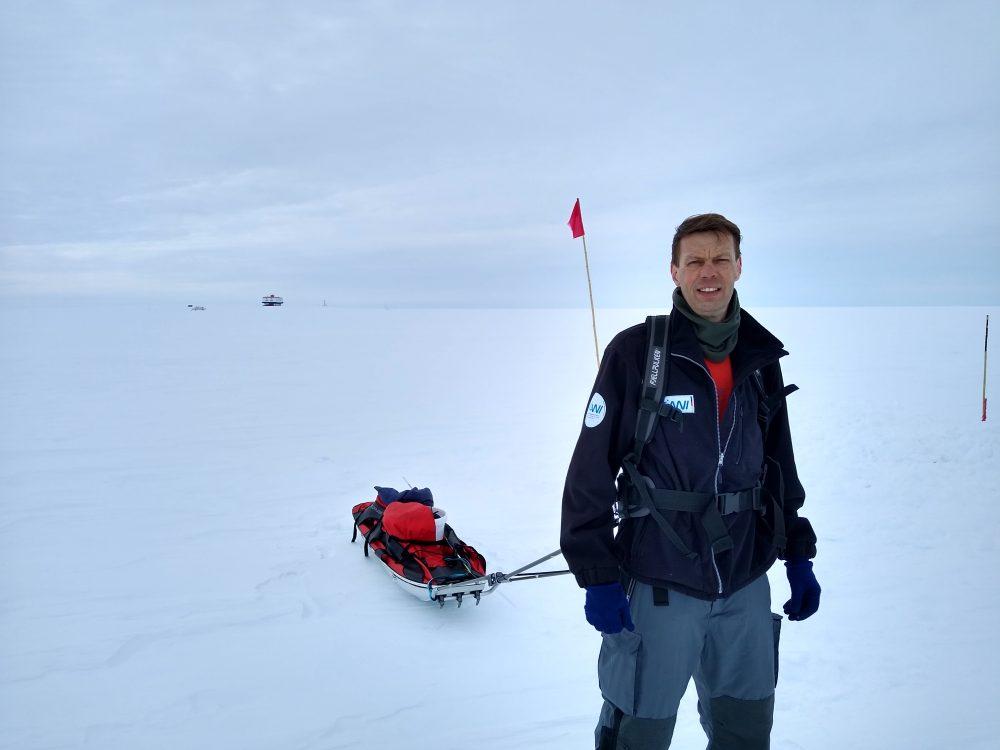 Pulka mit Schneebuddelequipment