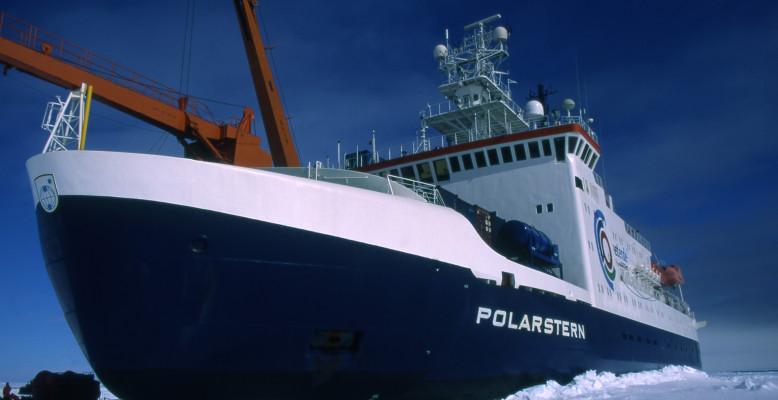 Polarstern in der Antarktis. Bild: AWI.
