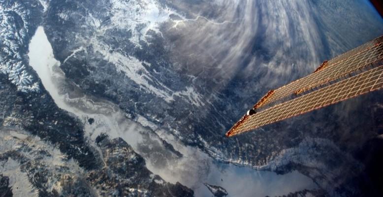 Der Baikalsee, fotografiert aus der ISS am 26. Februar 2013. Bild: NASA (public domain).
