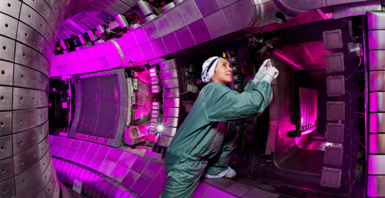 360-Grad-Panorama der Fusionsanlage ASDEX Upgrade. Bild: IPP, Volker Steger.