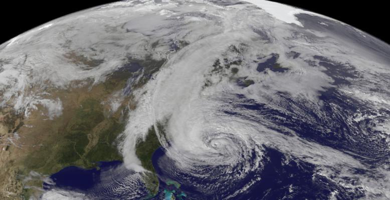 Hurrikan Sandy (2012): Rotation gegen den Uhrzeigersinn auf der Nordhalbkugel. Bild: NASA