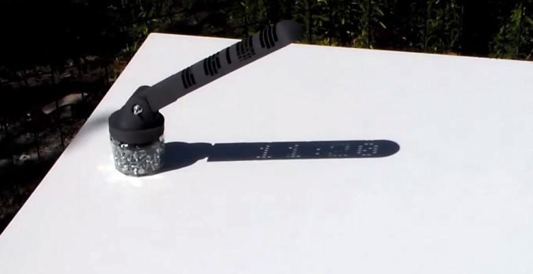 Eine digitale Sonnenuhr aus dem 3D-Drucker. Bild: Mojoptix