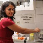 Gita kocht gerade. Bild: GSI