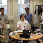Meeting zum Schichtwechsel. Bild: GSI
