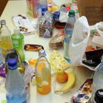Kekse, Trockenfrüchte, Brot und Schokolade helfen durch die anstrengende Strahlzeit. Bild: GSI