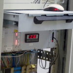 Die Temperatur des Gases darf nicht steigen, sonst brechen wertvolle Kristallscheiben im Detektor. Bild: GSI
