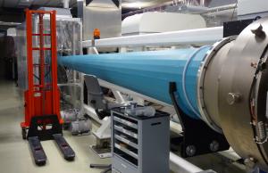 Durch solche Verstärkerkristalle läuft der Laserpuls. Bild: GSI