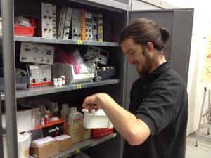 Felix schreibt seine Doktorarbeit über das Experiment. Bild: GSI