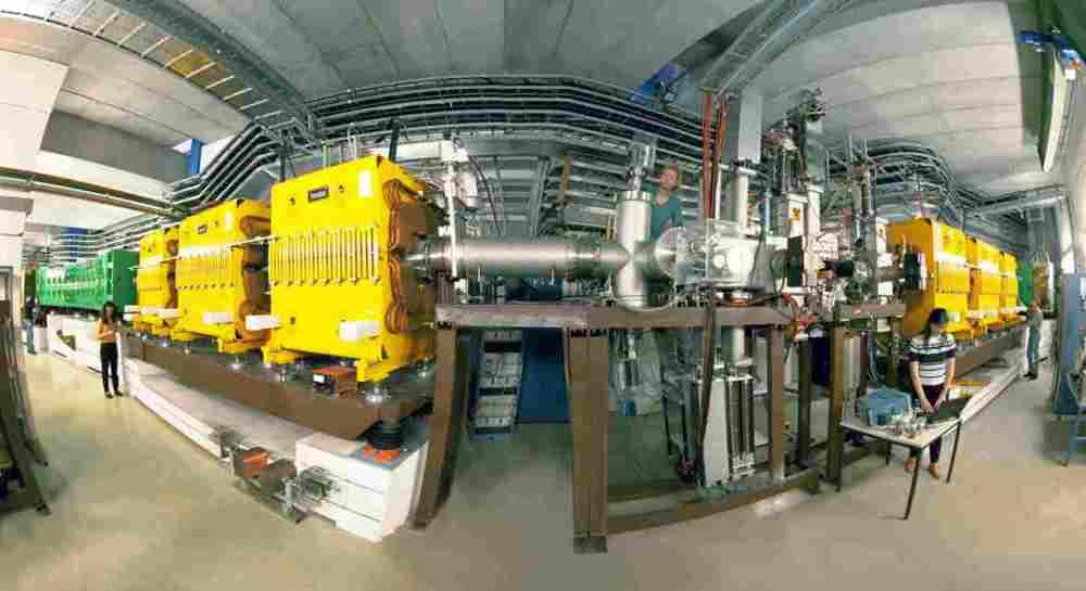 Der Fragmentseparator FRS. Hier werden Promethium-Ionen von anderen Reaktionsprodukten separiert. Bild: GSI