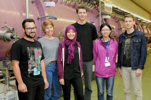 Zum Sommerstudenten-Programm gehört die traditionelle Fußgänger-Ralley durch Darmstadt. Das Gewinner-Team berichtet über seine Zeit bei FAIR und GSI. Foto: G. Otto/GSI