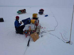 Seismische Datenerfassung im Feld (Foto: D. Routledge)
