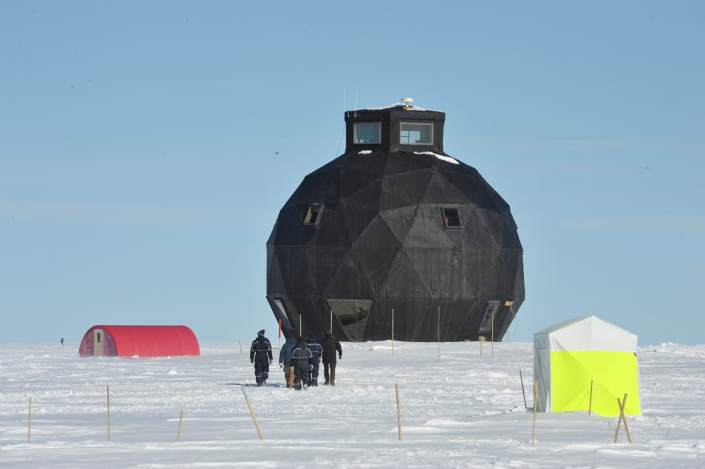 Der EastGRIP-Dome. Foto: Sepp Kipfstuhl