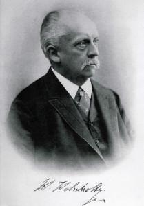 Hermann_von_Helmholtz_01