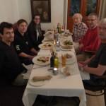 Das Team beim Abendessen