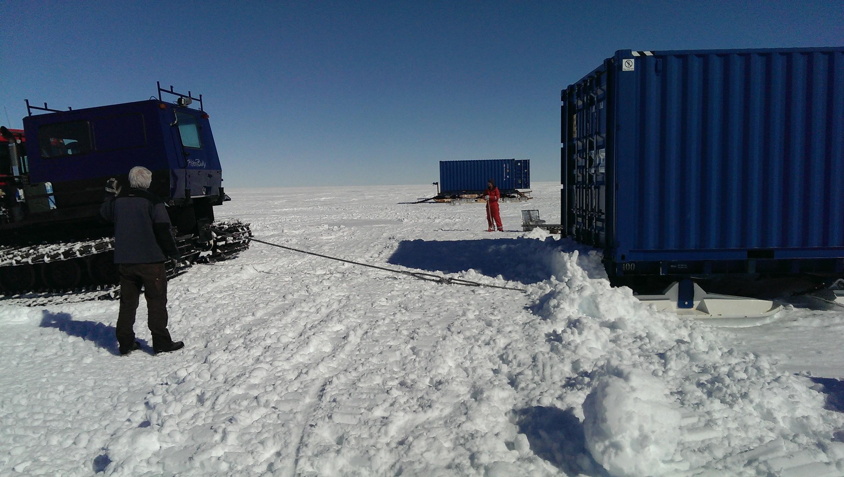 Wie zieht man einen Frachtschlitten aus dem Schnee