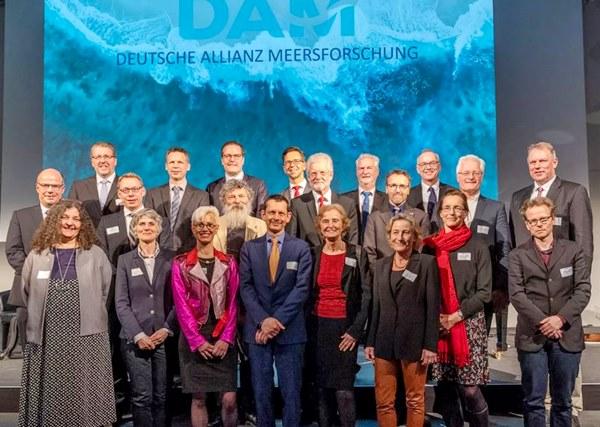 Gruppenfoto der Allianz Mitglieder