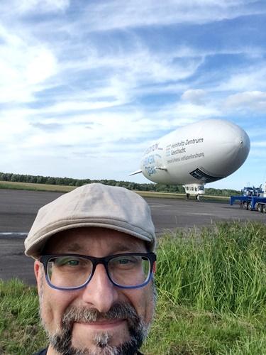 Mann und Zeppelin