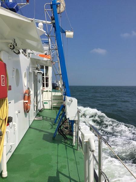 Blick vom fahrenden Schiff