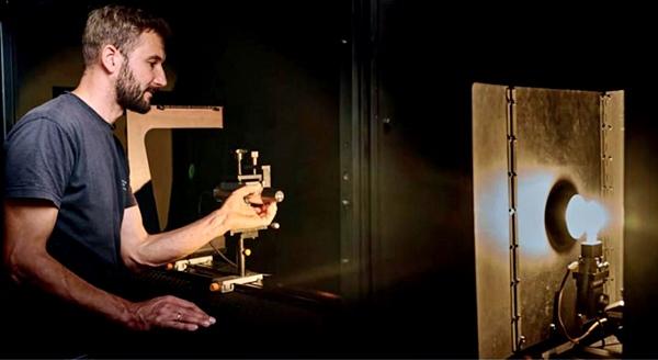 Kalibrierung eines Radiometers mithilfe einer Lichtquelle
