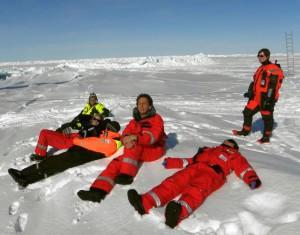 "While waiting to be transported back aboard the ""Polarstern"" there was time to enjoy the Arctic sun. L-R: Monika Zablocka, M. Korhonen, Stefan Büttner, Giulia Castellani, Roland Sarda-Esteve, Justyna Meler. Photo: S. Willmes"