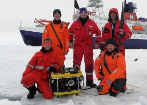 The sea ice physics team on the move. Photo: Monika Zabłocka