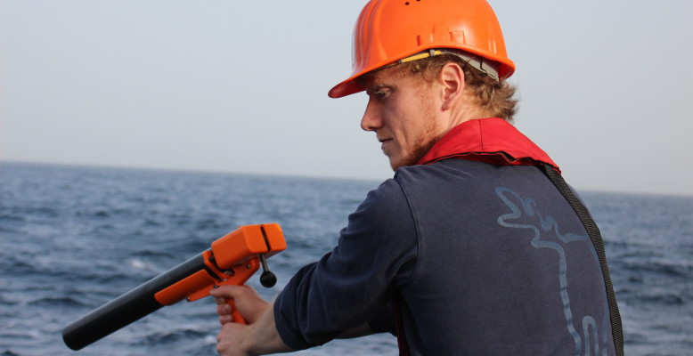 Deployment of XBT probe to measure Atlantic water temperature (°C). (Photo: Birgit Heim)