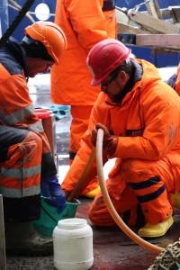 Das MG Team bei der Arbeit. Foto: Henrik Christiansen