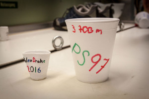 After (left) and before (right) being lowerd to 3,700 m. The cup has clearly lost size. Photo: Thomas Ronge