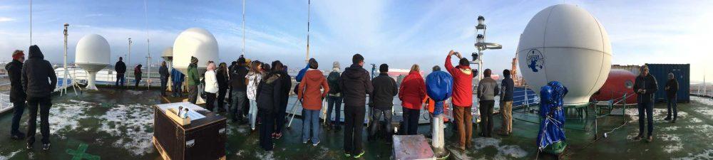 Die Stipendiaten auf dem Deck der Polarstern. Foto: Eva-Maria Brodte