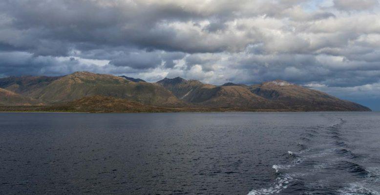 Rugged landscape surrounding the Strait of Magellan. Photo: Thomas Ronge