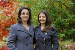 Alina (l.) und Liana (r.) Movsesyan. Bild: G. Otto/GSI
