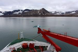 Photo 4: Ny Ålesund as seen from Polarstern's upper deck. Photo: Josephine Rapp