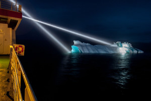 Iceberg close to the vessel during geological station work. Photo: Thomas Ronge