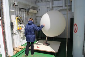 Preparing the weather balloon. Photo: Christophe Le Gall